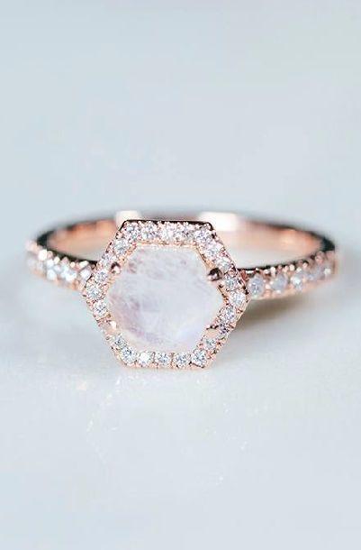 月光石订婚戒指
