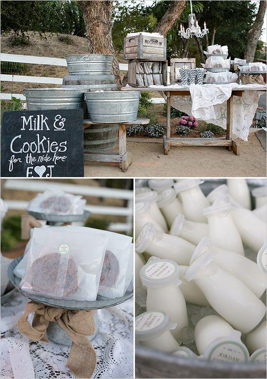 牛奶和饼干甜点吧