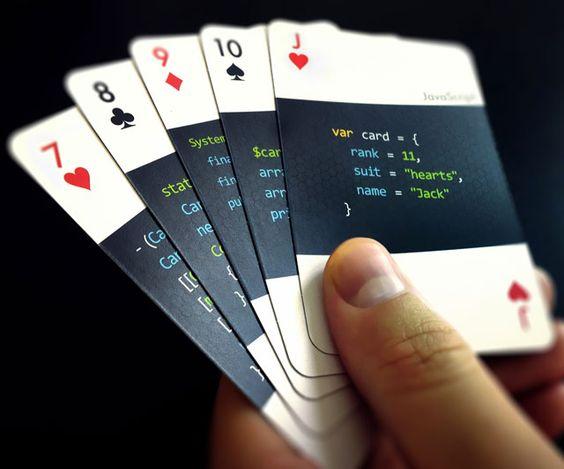 """谁想要一些未经稀释的极客呢? code:deck是一套标准的扑克牌,由13种不同的编程语言中的一种按等级和套装分别描述。作为制作人Varianto:25分,这些卡应该引起程序员,QAs和IT学生的左脑。并且,我想补充一点,任何为自己大部分时间都会说自己永远不会得到他们的语言而感到自豪的人。 Varianto:25试���在代码中包含广泛的编程语言选择:""""从软件开发中普遍认可的主要和实用语言到新的替代品和奇怪的好奇心。""""换句话说,他们从HTML到Brainfuck的范围很广。已经在每个卡级别之间划分语言如下:2:汇编3:Bash 4:C ++ 5:Brainfuck 6:Python 7:Objective-C 8:C#9:JAVA 10:PHP J:JavaScript Q:CSS K:HTML答:可以在Varianto:25网站常见问题解答部分查看代码:deck卡上列出的所有语言的SQL样本。"""