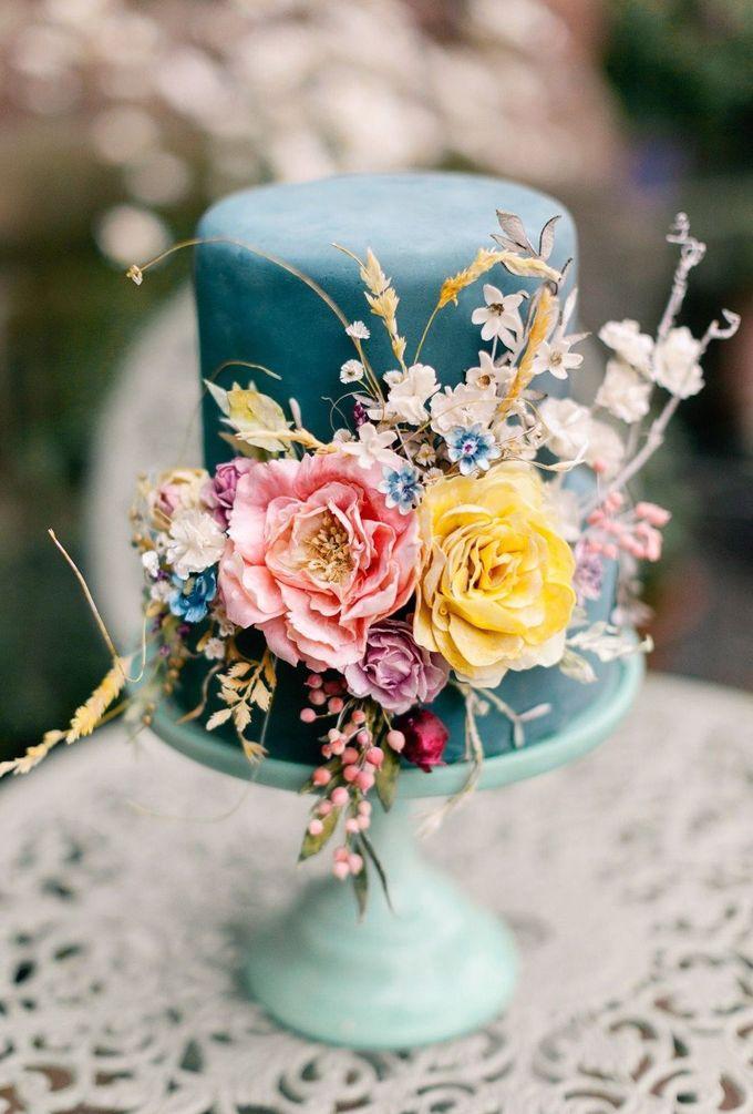 我的天啊!我喜欢这个结婚蛋糕。
