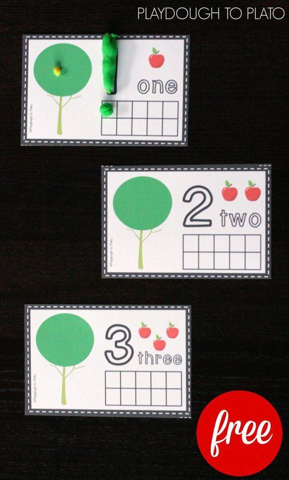 活动2至5岁。我们喜欢橡皮泥食谱和活动!随着堕落即将来临,这是一个完美的时间来掀起一批如此美味的绿色苹果橡皮泥并获得一些动手练习数字。这些免费的苹果橡皮泥垫是秋季完美的学龄前数学活动。此帖子包含亚马逊联盟链接。 ...