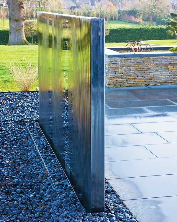 Double sided water wall