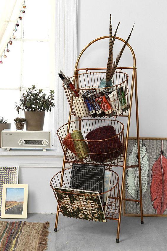 在Urban Outfitters今天购买梯子储物篮。我们为您提供所有最新的款式,颜色和品牌,从这里选择。