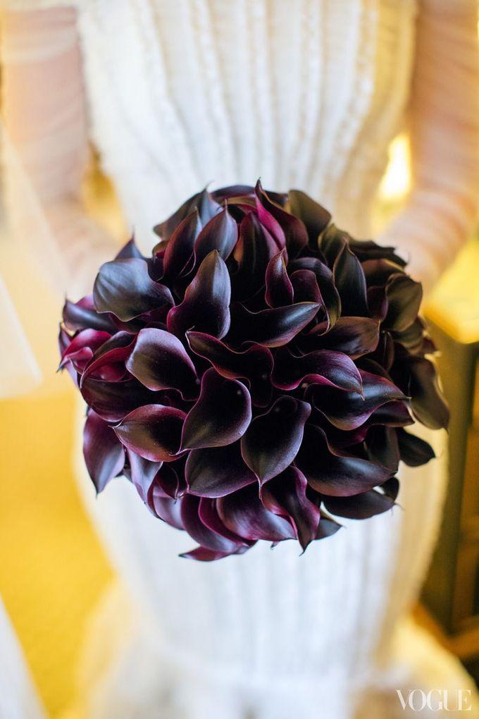 由Floralia的Marc Eliot设计的马蹄莲百合。