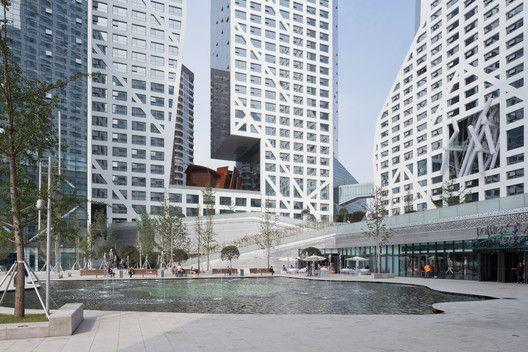 Steven Holl Architects' complete Sun-shaped Micro-City in Chengdu,© Iwan Baan
