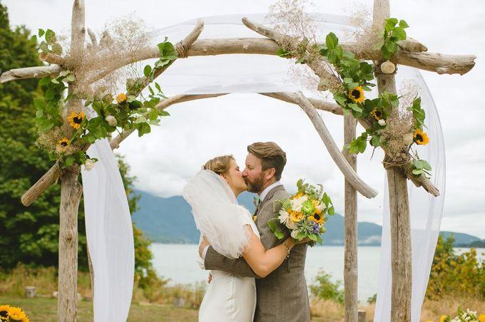 户外婚礼装饰//照片由Nordica摄影。