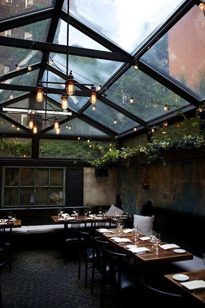 纽约的八月餐厅