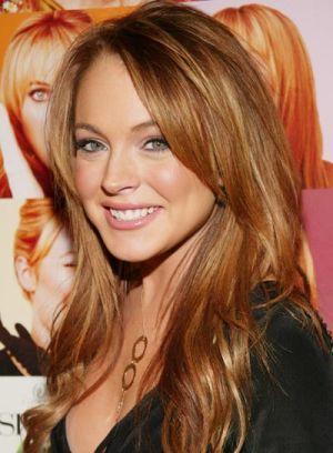 看到一位名人改变她头发的颜色很有趣,不是吗? (尽管她的头发可能是为此付出代价的。)这里是好莱坞的头号名人染发剂 - 你决定在每个名人上看哪个颜色最好。