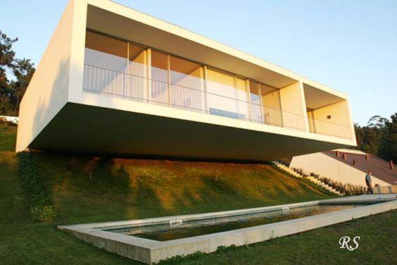 How to Adapt a House to its Land with Eduardo Souto de Moura