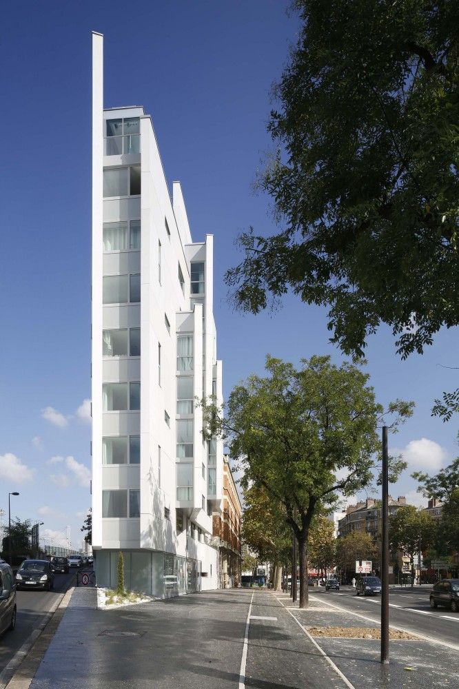65 Rooms for Student Housing / Jacques Ripault Architecture
