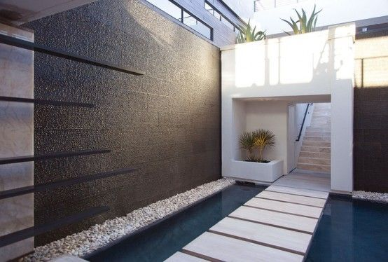38 Amazing Outdoor Water Walls Design Ideas For Backyard | favoriteshome.com | Interior Decorating and Home Design Ideas