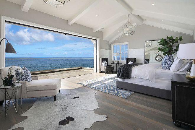 卧室折叠门 - 带折叠庭院门的海滩主卧室 - 卧室折叠门创意 - 卧室折叠门#Broom #foldingdoors #Patiofoldingdoors Brandon Architects,Inc