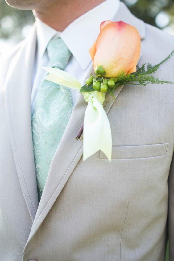 Courtney Dox Photography拍摄的南卡罗来纳州桃子和薄荷婚礼充满了华丽的南方优雅。可爱的Lowndes Grove是这个简单优雅活动的完美背景,设有户外休息区,草莓酱,以及为客人带回家的小吃!美丽的新娘玛丽在这里......