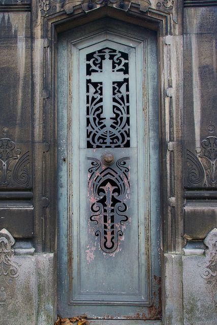 坟茔门,Pere Lachaise公墓,巴黎