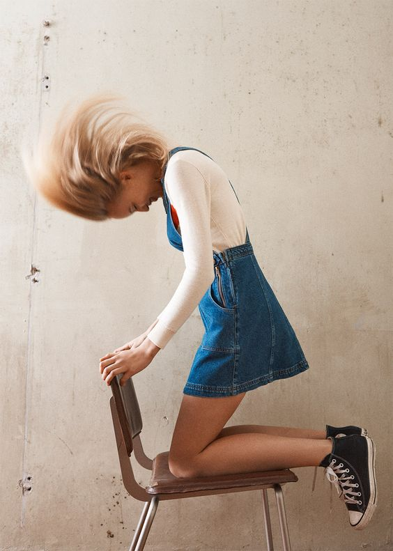 今天在Urban Outfitters店购买Urban Outfitters Blue Denim Dungaree Dress。我们为您提供所有最新的款式,颜色和品牌,从这里选择。