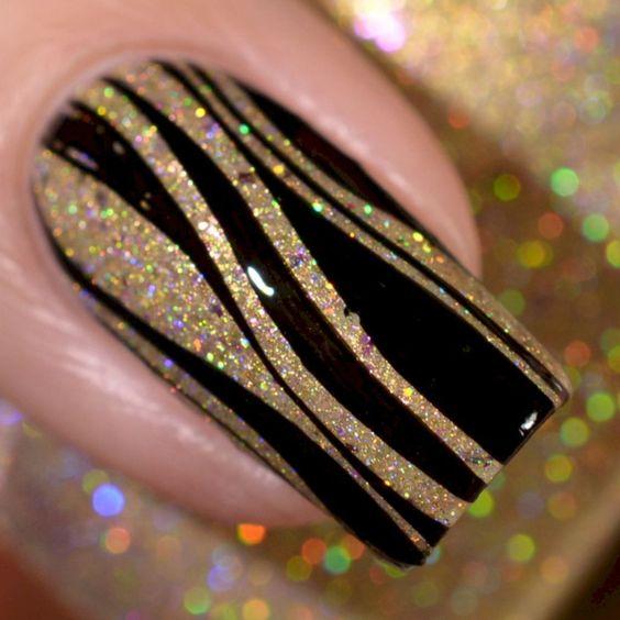 42最吸引眼球的美丽黑色指甲艺术理念