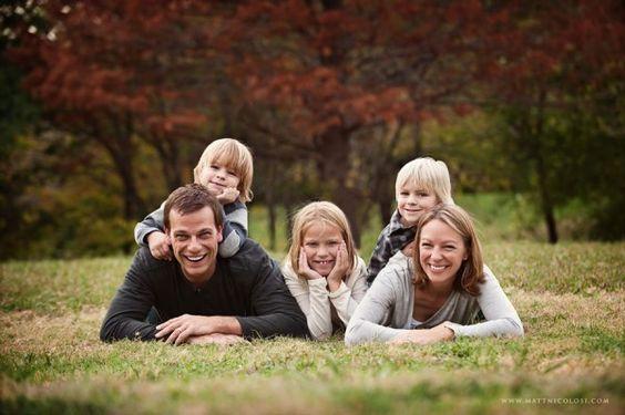 家庭照片构成与3个孩子的想法,为照片会议的想法