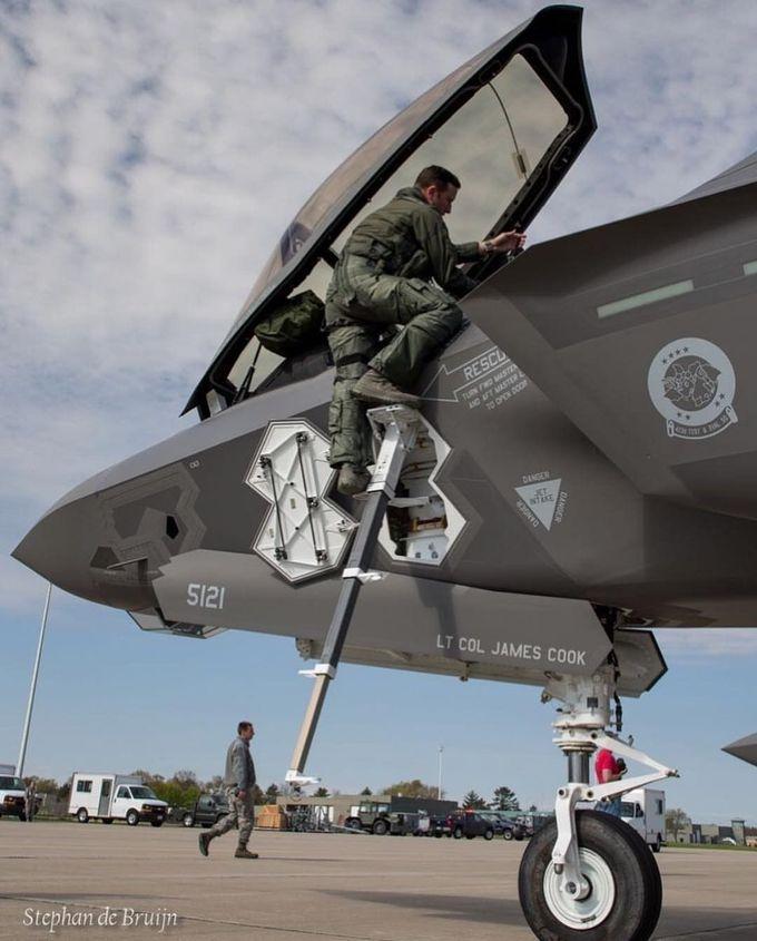 F-35 Lightening 2