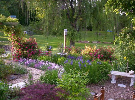 多年生花卉园设计:花园小区计划,多年生植物名单,以及旧农夫年鉴的园林理念。