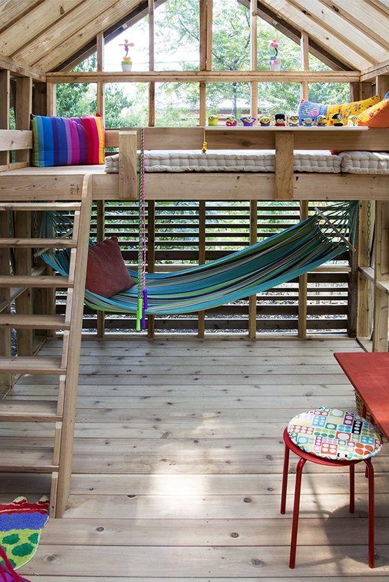 在后院为孩子和成人建立自己的树屋设计(如果需要的话)。这36张图片会让你获得更多灵感,让它变得真实!