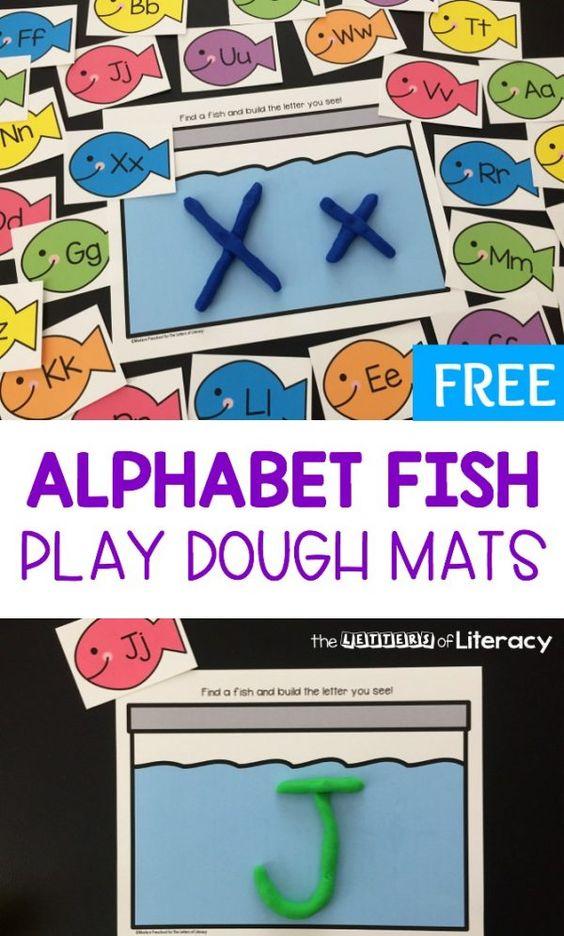 结合笑脸字母鱼与玩面团,并获得这些免费的字母鱼玩面团垫!他们擅长练习英文字母和CVC词汇。