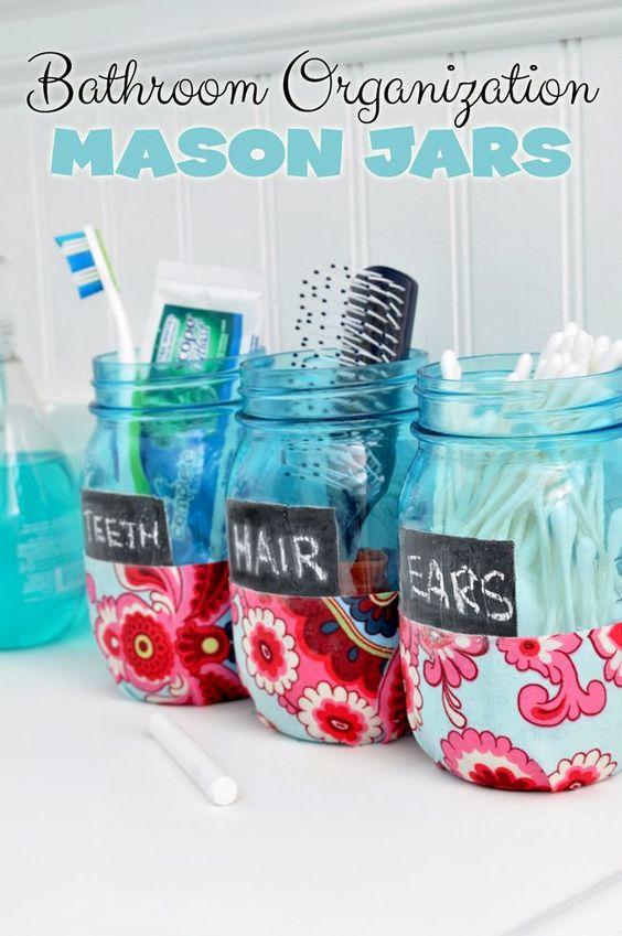 彩绘梅森罐子:粉红色。如何油漆和困扰梅森罐子。破旧的别致花瓶的想法。与梅森罐子的婚礼想法。苦恼的梅森罐子。