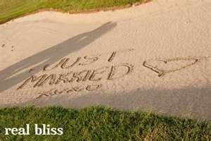 可爱的高尔夫球场婚纱照 - 在沙滩上做!
