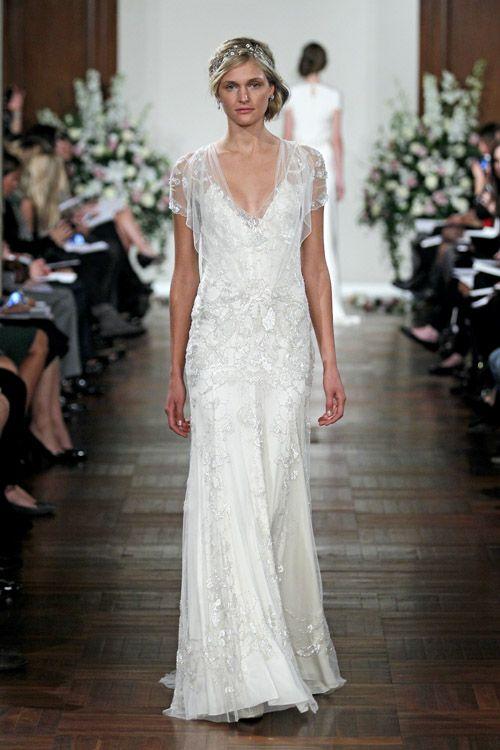 我喜欢Jenny Packham婚纱的女性化摇滚外观!以下是2013年婚纱礼服系列中我最喜欢的一些。
