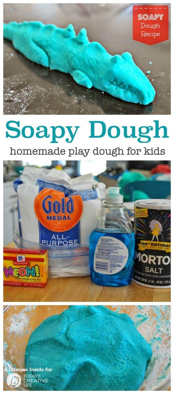 Soapy面团玩面团食谱 - 这种自制面团是完美的小孩手艺,让小手忙碌而富有创意。