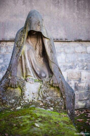 Pere LaChaise公墓,巴黎