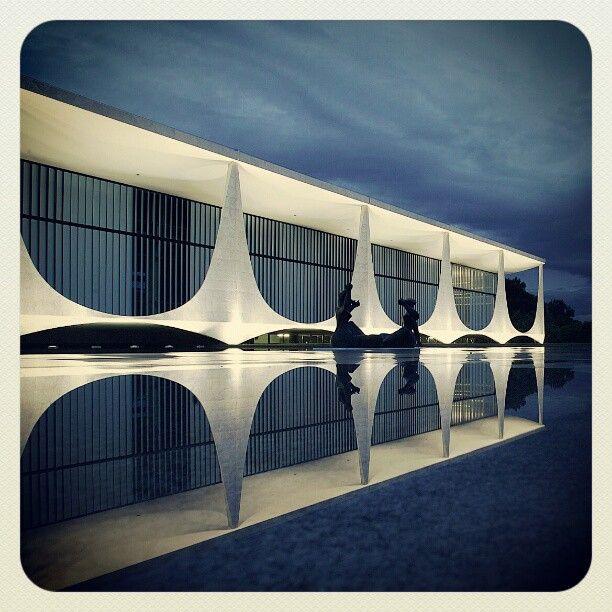 Oscar Niemeyer -PALACIO DO PLANALTO