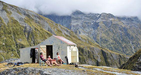 新西兰的Ivory Lake Hut是世界上最好的偏远小屋。值得庆幸的是,生活中最美好的事物并不总是那么容易。