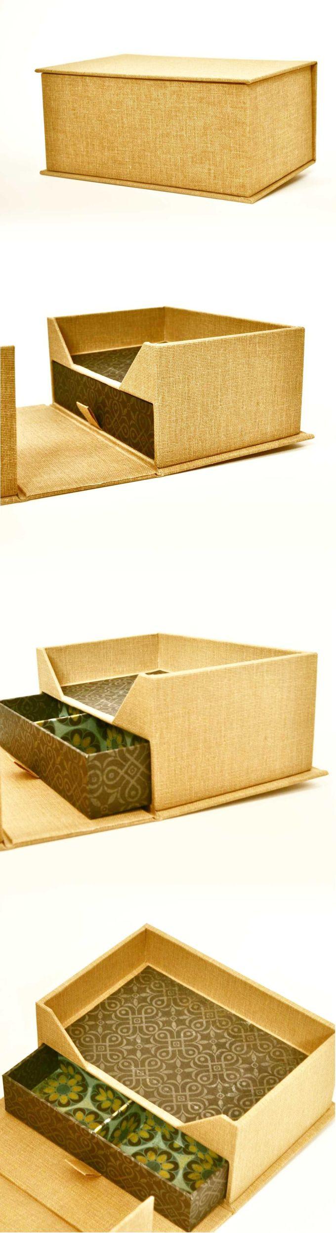 Clamshell Box.