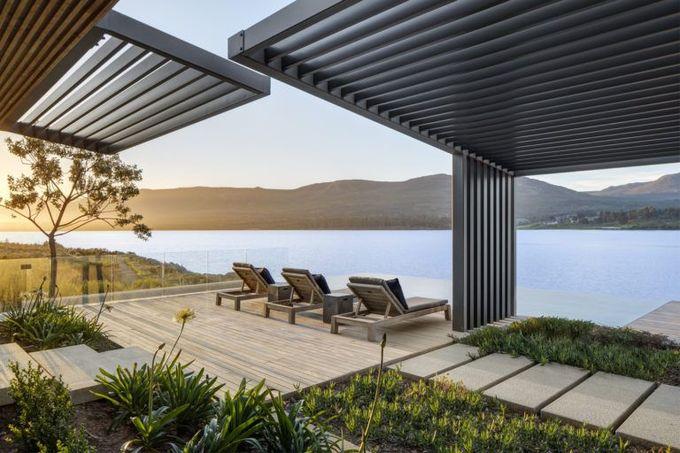 露台享有Bot River Lagoon泻湖的美景