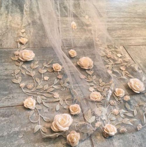 小屋和小屋 -  lacarolita:Claire Pettibone新娘面纱