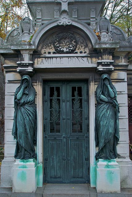与数字的家庭坟茔,Pere Lachaise公墓,巴黎