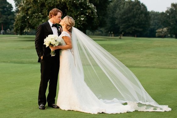 从克里斯汀霍根高尔夫球场婚礼肖像