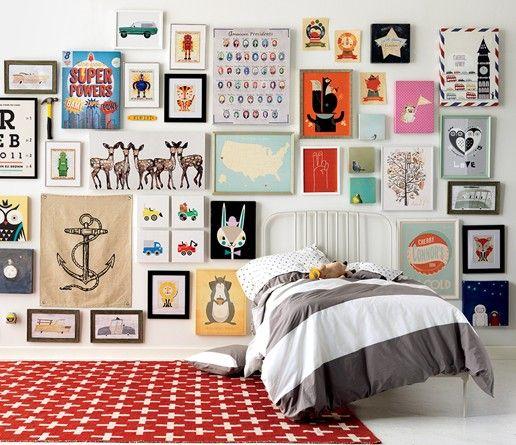 创建一个画廊墙不一定非常困难或压倒性的。我们的5个简单步骤将帮助您在家中的任何房间创建一个画廊墙。