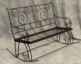 锻铁摇摆式长凳采用米老鼠设计,长48英寸