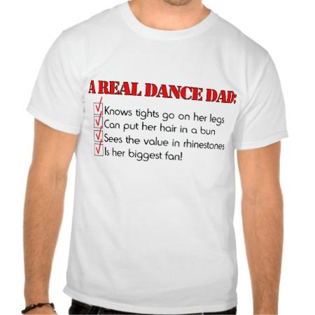 """自豪地穿上你的舞蹈爸爸衬衫或跳舞爸爸帽子到你的舞者的下一场表演或舞蹈比赛。真正的舞蹈爸爸是舞蹈家最大的粉丝。通过添加名称,特殊信息或在下订单时点击""""自定义""""来更改背景颜色,轻松个性化您的舞蹈设计。"""