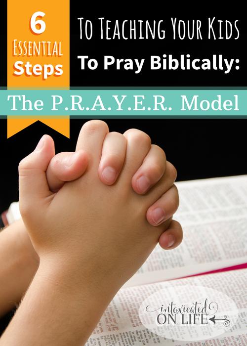如果你想要更多地了解教导你的孩子按圣经祷告,以耶稣教他的门徒祷告的方式祷告,那就学习这个P.R.A.Y.E.R模型。