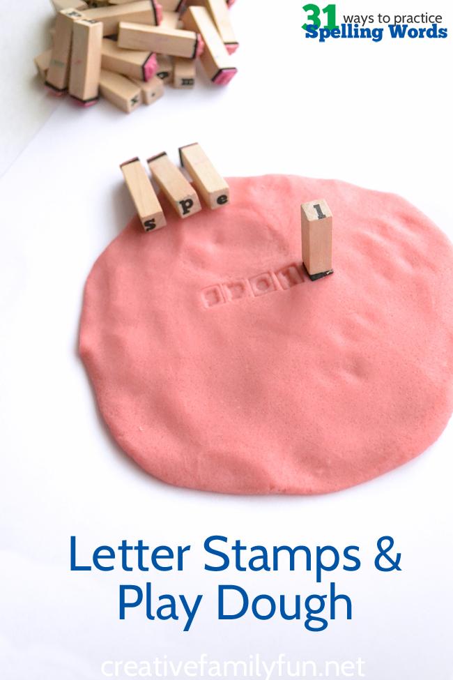 你不必拿起铅笔练习拼写单词。而是用字母邮票和面团练习拼写。