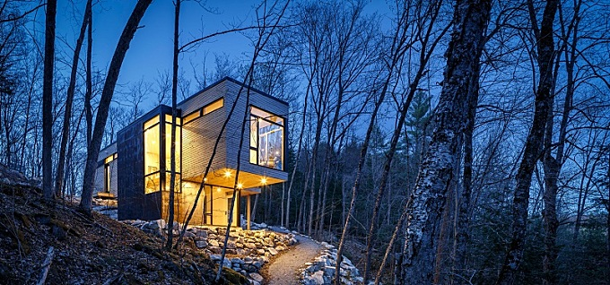 A relaxing retreat in the middle of the Canadian forest