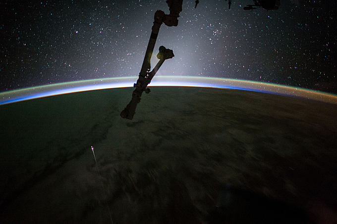 Dragon Returns Space Station Science to Earth