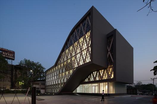 Saengthai Rubber Headquarter / Atelier of Architects