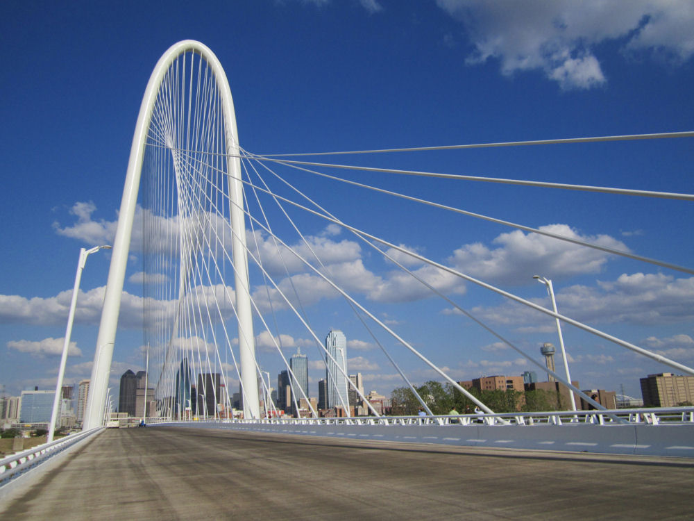 Calatrava completes Dallas bridge