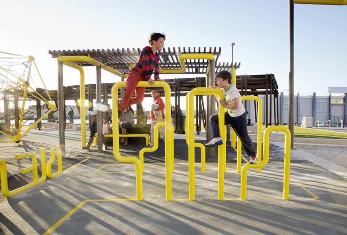 澳洲ASPECT工作室在阿德莱德港口的哈特磨坊周边设计了一个极富活力和吸引力的公