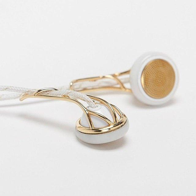 Ella Earbud Headphones by Frends #tech #flow #gadget #gift #ideas #cool