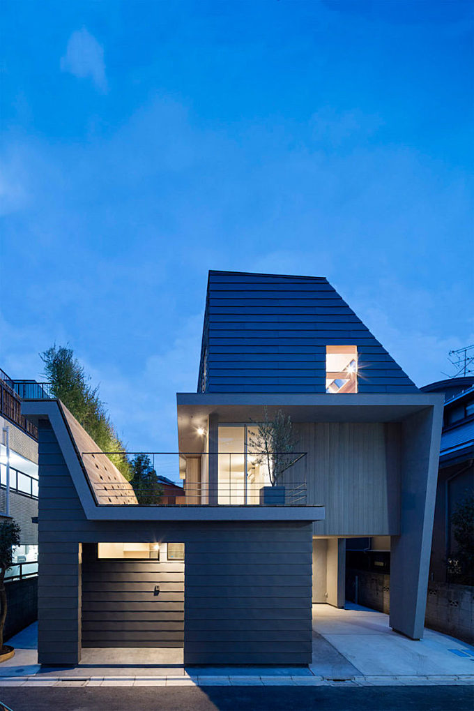 House in Minamiyukigaya by Hugo Kohno Architect Associates
