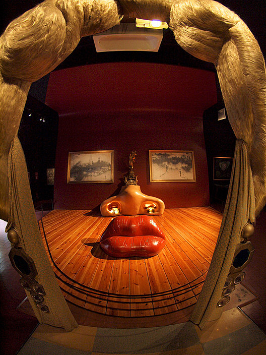 1974 installation of <em>Mae West's Face which May be Used as a Surrealist Apartment</em> by Salvador Dali. Image © <a href='https://www.flickr.com/photos/alextorrenegra/4991542223'>Flickr user Torrenega</a> licensed under <a href='https://creativecommons.org/licenses/by/2.0/'>CC BY 2.0</a>